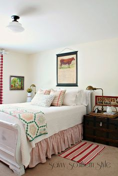 Savvy Southern Style: Farmhouse Style Guest Room Additions - Love the trunk Bedroom Wall, Bedroom Decor, Bedroom Ideas, Master Bedroom, Bedroom Curtains, Wall Decor, Primitive Bedroom, Primitive Country, Primitive Homes