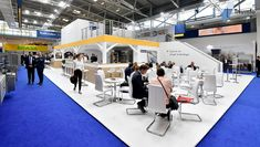 Trade Show Booth Design, Exhibition Stand Design, Exhibition Booth, Display Design, Companies In Usa, Banner Stands, Event Marketing, Design Consultant, Dubai