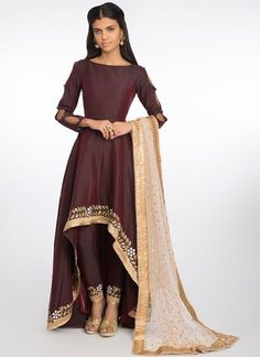 Wine and Gold Embroidered High Low Anarkali Indian Bridal Outfits, Indian Fashion Dresses, Pakistani Outfits, Pakistani Girl, Fashion Bazaar, Inexpensive Wedding Dresses, Fancy Suit, Lehenga Style, Designs For Dresses