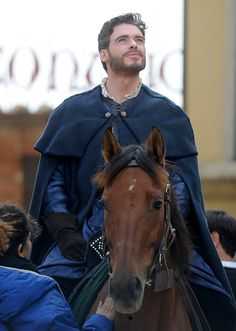 Robb Stark is currently filming in Montepulciano, Italy. | 7 Photos Of Richard Madden Looking Attractive On A Horse