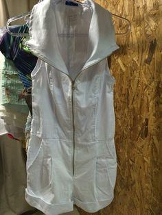 Macaquinho branco para o Réveillon tamanho PP R$ 89,99