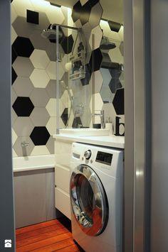 Panel łazienkowy Quickstep w kolorze mahoniowym - zdjęcie od Dizajnia art - studio projektowe - Łazienka - Styl Nowoczesny - Dizajnia art - studio projektowe