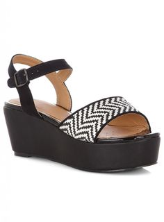 Evans flatforms - love these!    http://fashion-mommy.com/2013/04/14/monochrome-chic-from-evans/
