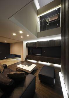 courtyard house   dark interior http://www.kawazoe.biz/