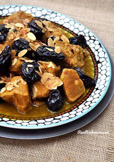 Tajine de veau aux pruneaux Morrocan Food, Low Carb Recipes, Cooking Recipes, Algerian Recipes, Egyptian Food, Turkish Recipes, Moroccan Recipes, Mini Foods, Arabic Food