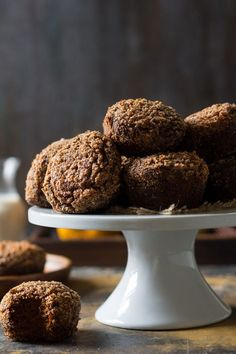 These Pumpkin Gingerbread Paleo Coffee Cake Muffins are the perfect healthy sweet treat this season! Soft and moist with plenty of cinnamon crumb topping and sweet spices. Paleo Coffee Cake, Pumpkin Coffee Cakes, Coffee Cake Muffins, Paleo Pumpkin Muffins, Pumpkin Recipes, Healthy Muffins, Healthy Cookies, Candied Sweet Potatoes, Sweet Potato Pecan