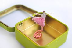 Dancing ballerina altered Altoid tin toy {She really does dance!}