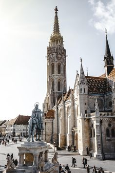 Ultimate 3 days in Budapest itinerary jam-packed with travel tips. A complete guide + map with all the information you need to plan your Budapest itinerary. Voyage Europe, Europe Travel Guide, Budapest Travel Guide, Travel Checklist, Travel Packing, Travel Backpack, European Destination, European Travel, European Vacation