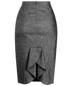 Dress would be even better, ruffled slit would need to start higher. Skirt Pants, Dress Skirt, Dress Patterns, Sewing Patterns, Church Outfits, Cute Skirts, Office Fashion, Work Attire, African Dress