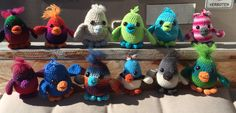 12 maatjes wait for a new friend to travel!  Maatje Gehaakte vogeltjes, 'maatje'  Haken , vogeltjes , kuiken Crochet birds
