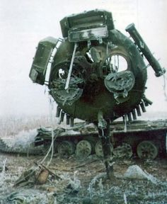 "Serbian M-84 tank ""lollipopped"" during the Battle of Vukovar [640x782]"