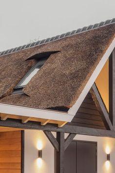 schoorsteen dakkapel rieten kap House, Home, Haus, Houses