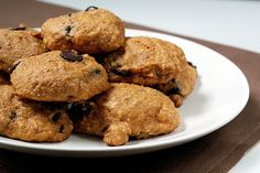 Pumpkin Chocolate Chip Cookies! Soft, moist, & cake like, simply delicious. Pumpkin Recipes, Cookie Recipes, Bar Recipes, Pumpkin Chocolate Chip Cookies, Yummy Cookies, Cookies Soft, Cookie Crumbs, Healthy Treats, Let Them Eat Cake