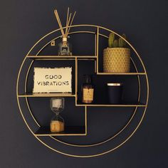 from the home of Sasha Lowe ( shelving blackandgold black gold accessories darkwalls rustic geometric houseplants graphicprint graphic 831406781185688425 Black White And Gold Bedroom, Black And Gold Living Room, Black And Gold Bathroom, Black Rooms, White And Gold Decor, Black White Gold, Gold Room Decor, Gold Rooms, Gold Home Accessories