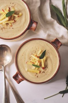 Roasted cauliflower and apple soup
