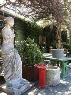* Chic Provence *: The Brocante at Isle-sur-la-Sorgue