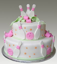 Bowling Cake...change the colors of this and it'd be a great grooms cake