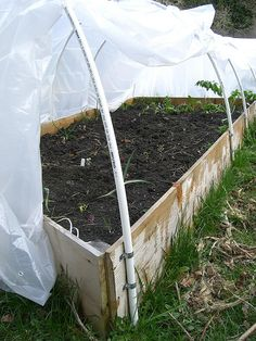 Make a Hoophouse on a Raised Bed Easy and inexpensive hoop house instructions to protect your tender plants.Easy and inexpensive hoop house instructions to protect your tender plants. Outdoor Greenhouse, Backyard Greenhouse, Small Greenhouse, Greenhouse Plans, Homemade Greenhouse, Portable Greenhouse, Organic Vegetables, Growing Vegetables, Raised Bed Garden Design