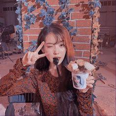 Western Girl, Korean Actresses, Anime Artwork, Girl Bands, Korean Celebrities, Ulzzang Girl, Aesthetic Girl, Korean Singer, Pretty People