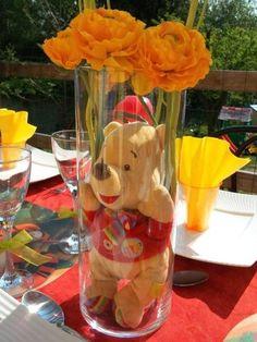 Centro de mesa con florero y oso de felpa para baby shower - http://manualidadesparababyshower.net/centro-de-mesa-con-florero-y-oso-de-felpa-para-baby-shower/
