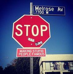 Plastic Jesus with streetart advice to hollywood
