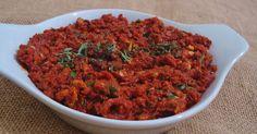 Malzemeler :  20-25 adet kuru domates  1 çay bardağı zeytinyağı  2 yemek kaşığı limon suyu  1 çay kaşığı biber salçası  3-4 adet ceviz  ...