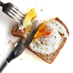 Don't Blow Your Diet on Vacation! Nutritionist-Approved Breakfast Tips - For August 11th-18th