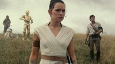 Daisy Ridley has said that she wishes she'd asked for more advice from Carrie Fisher before the Star Wars veteran passed away. Star Wars Film, Star Wars Watch, Ewan Mcgregor, Mark Hamill, Adam Driver, Carrie Fisher, Obi Wan, Dwayne Johnson, Rian Johnson