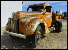 Rusty Ford by Dusty_73, via Flickr