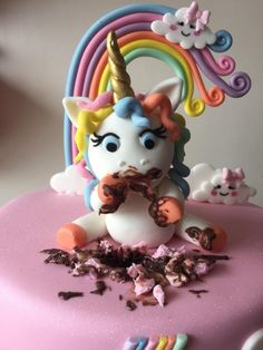 Unicorn birthday cake - cake by Donnajanecakes rezepte mittagessen baby 1 jahr baby 10 monate baby led weaning Mini Cakes, Cupcake Cakes, Fat Unicorn, Blackberry Cake, Salty Cake, Unicorn Birthday Parties, Cake Mold, Savoury Cake, Cake Recipes