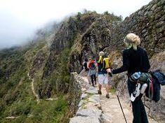 """Camino Inca a Machu Picchu 4 dias  es donde existieron diversos caminos de Conexión con Machu picchu, pero actualmente el mas conocido es el que se usa como circuito Turístico, denominado propiamente """"Camino Inca"""" este corresponde a una ruta de 45 kilómetros aproximadamente"""