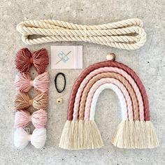 Glue Crafts, Yarn Crafts, Diy And Crafts, Arts And Crafts, Rainbow Nursery, Idee Diy, Baby Room Decor, Macrame Patterns, Diy Kits
