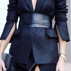 Corset Belt Street Outfits To Show You What's The Next Big Trend blazer in wide leather corset belts Corset En Cuir, Leather Corset Belt, Leather Blazer, Look Fashion, Fashion Details, Autumn Fashion, Fashion Design, Paris Fashion, Fashion Edgy