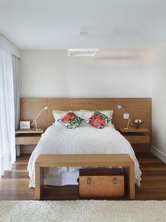 Apartamento com decoração alegre e vista para o mar (Foto: Juliano Colodeti (MCA Estúdio) )