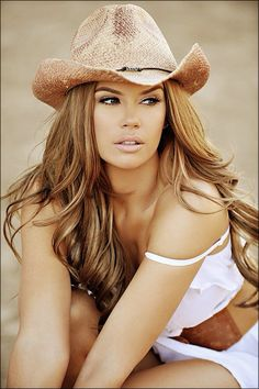 Gorgeous down to earth country girl!
