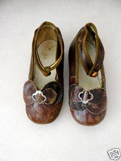 Antique dolls shoes Have room in my collection for these.