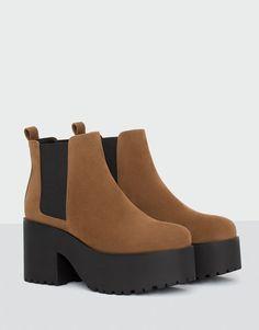 PullAndBear - botín tacón bloque marrón - cuero - 15220111-I2016  Pullandbear Zapatos c4acf2e99ff4