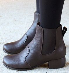 ECHOE BROWN :: BOOTS :: CHIE MIHARA SHOP ONLINE