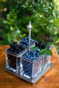 A new study suggests that women who often eat berries -such as blueberries, blackberries, strawberries and other berry fruits have Blackberry, Raspberry, Field Wedding, Farm Wedding, Fruit Displays, Snacks Für Party, Acai Berry, Berry Berry, Food Presentation