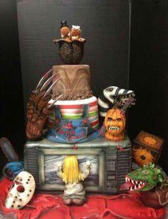 The Best Halloween Cake Ever - Freddy Krueger, Jason Voorhees, Poltergeist, horror. Bolo Halloween, Halloween Wedding Cakes, Theme Halloween, Halloween Cakes, Halloween Treats, Kid Halloween, Halloween Foods, Halloween Desserts, Halloween Christmas
