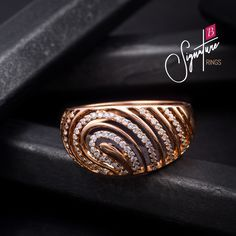 An exemplary display of style, make a bold fashion statement with the Signature rings collection. To get more details about the store near you, get in touch with us. Best Jewellery Design, Jewelry Design Earrings, Necklace Designs, Gold Jewelry, Jewelery, Jewelry Bracelets, Gold Necklace, Indian Jewelry Sets, Gold Ring Designs