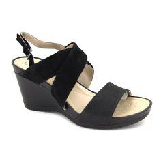Geox D New Rorie A D72P3A Sandalias para mujer hechas con una bonita combinación de tipos de pieles. Bonito diseño en este calzado con una cuña de altura media de 8 cm y sujección mediante una hebilla metálica. Suela externa sintética, flexible, ligera, transpirable y con agarre. Geox respira