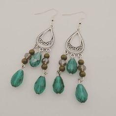 Bekijk dit items in mijn Etsy shop https://www.etsy.com/nl/listing/565761436/nieuw-boho-style-oorbellen-groen