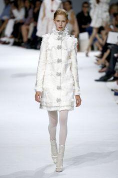 Giambattista Valli: http://www.stylemepretty.com/2016/07/08/prettiest-looks-paris-haute-couture-fall-winter-2016-2017/