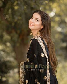 Beautiful Pakistani Dresses, Pakistani Dresses Casual, Pakistani Bridal Dresses, Pakistani Dress Design, Beautiful Hijab, Beautiful Dresses, Shadi Dresses, Punjabi Wedding, Wedding Dresses