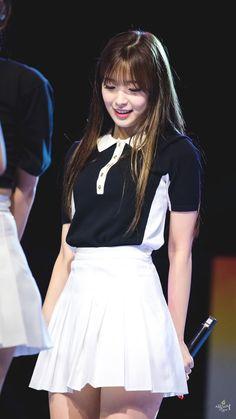 Kpop Girl Groups, Korean Girl Groups, Kpop Girls, Japanese Beauty, Asian Beauty, Girls Channel, Arin Oh My Girl, Girls Twitter, Stage Outfits
