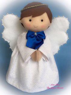 Anjo em feltro e tecido, ótimo pra batizado, nascimento e primeira comunhão, com 20 cm de altura