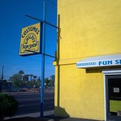 easleys fun shop was started by a vaudeville musician almost 70 years ago and is still - Halloween Stores In Az