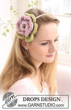 """Gehaakte bloem van """"Eskimo"""" voor haarband. ~ DROPS Design"""