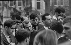 Students reacting to the news at Harvard University (President Kennedy's alma mater). | 16 Photos That Capture People's Reactions To The News Of JFK's Assassination